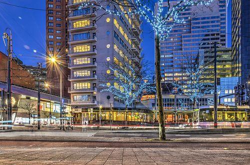 Rotterdam: de Coolsingel bij avond van