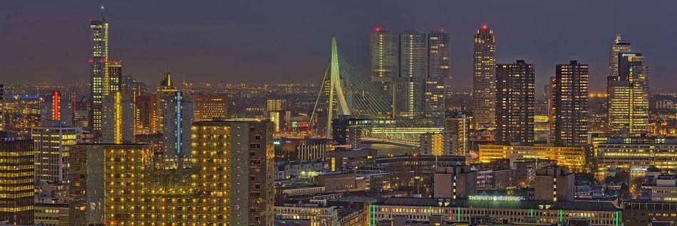 Rotterdam Centrum by Night van Bob de Bruin