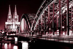 De dom in Keulen met de Rijnbrug. van Karel Pops