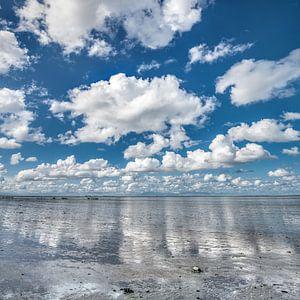 Wolkenlucht boven De Wadden nabij Paesens-Moddergat