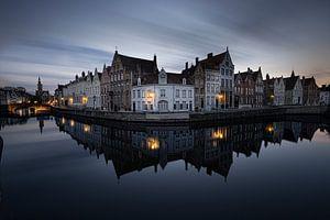 Belgie - Brugge - de spiegelrei tijdens het blauwe uurtje