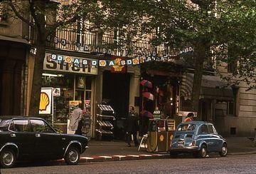 Vintage foto 1970 Parijs fiat 500 van Jaap Ros