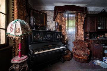 Verlaten Woonkamer met Piano.