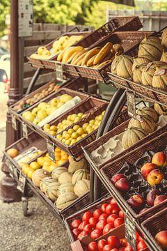 Fruitmarkt langs de straat van joost prins