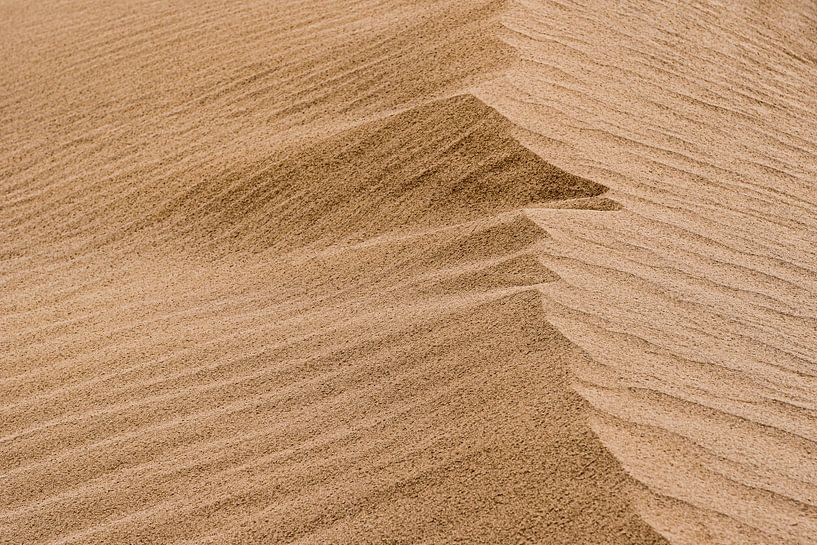 Licht en schaduw van een duin in de woestijn | Iran van Photolovers reisfotografie