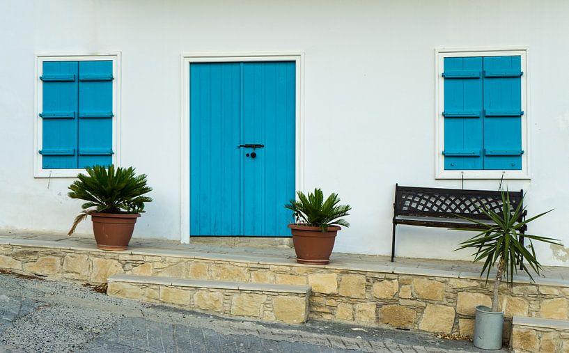 Typisch Grieks huisje in Cyprus van Hessel de Jong