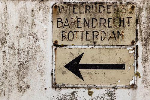 Vintage verkeersbord wielrijders Barendrecht Rotterdam