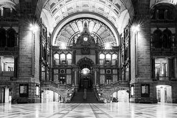 Station van Antwerpen  van Dexter Reijsmeijer