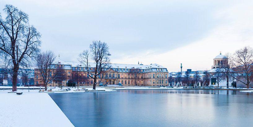Neues Schloss in Stuttgart im Winter van Werner Dieterich