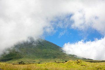 Bewölkter Berg von Jan Brons