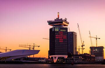 A'DAM Toren bij zonsopgang van Juul van Wandelen