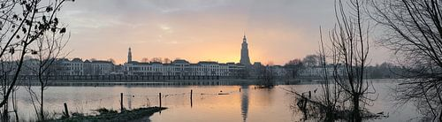 Panorama van de ochtendzon in Zutphen