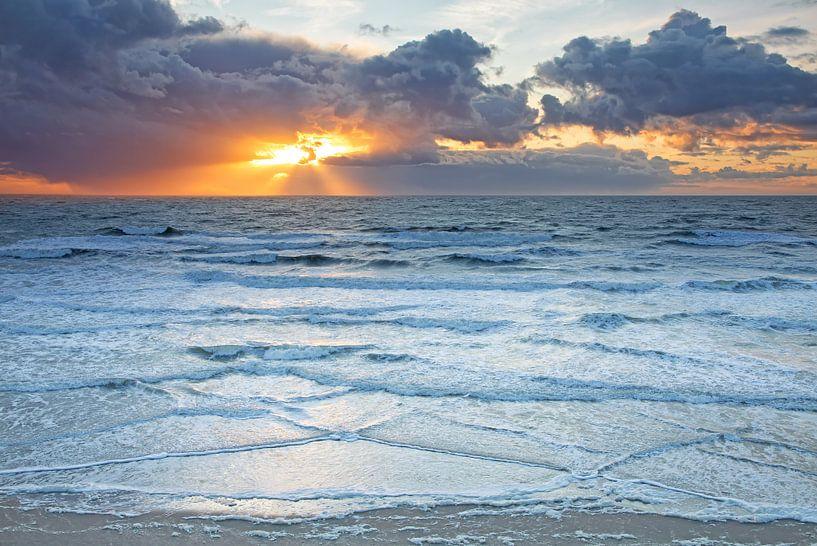 De Zee. van Justin Sinner Pictures ( Fotograaf op Texel)