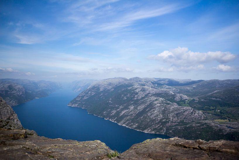 bergen landschap noorwegen van Ramon Bovenlander
