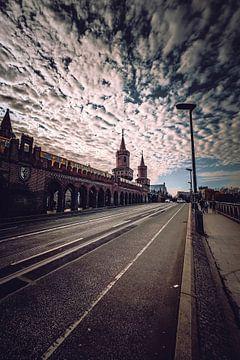 Oberbaum Bridge Clouds van
