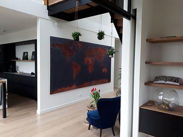 Klantfoto: Wereldkaart roest - signaalzwart