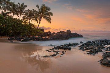 Zonsopkomst Secret Beach, Maui, Hawaii
