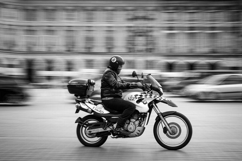 Speeding through Paris van Sander Peters Fotografie