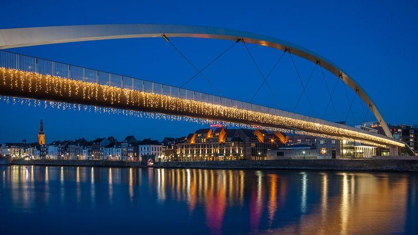 Maastricht Skyline by Night sur Bert Beckers