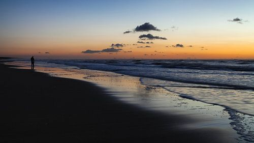 Zonsondergang aan het strand van Katwijk aan Zee van
