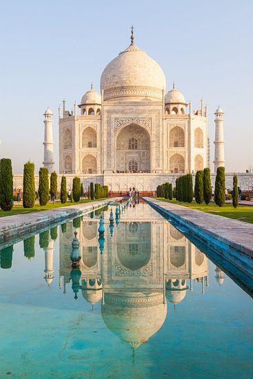 Taj Mahal in morning light van Jan Schuler
