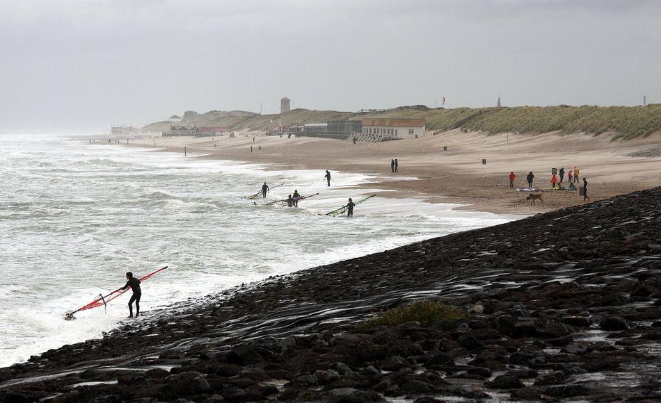 Surfers bij Domburg