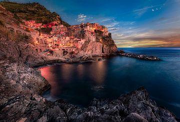 Zonsondergang in Cinque Terre van Roy Poots