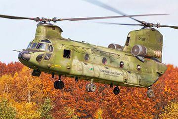 Chinook transporthelikopter met kerst kleuren van Jimmy van Drunen