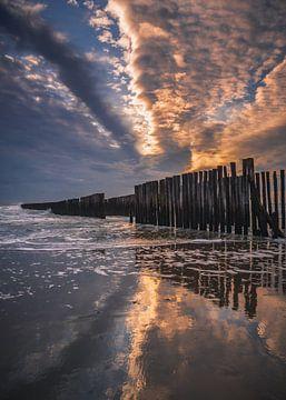 kleurexplosie boven Zeeuws strand van Michel Seelen