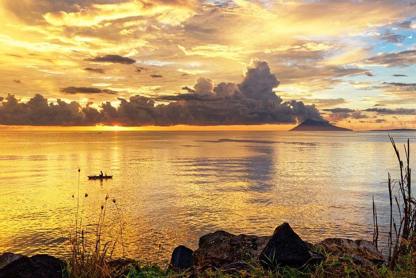 Sunset in Sulawesi van Ralf Lehmann