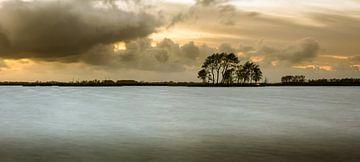 Eiland in het Sneekermeer van Jaap Terpstra