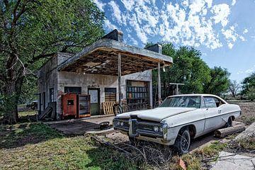 oude Pontiac op Route 66,  U.S.A. van Tilly Meijer