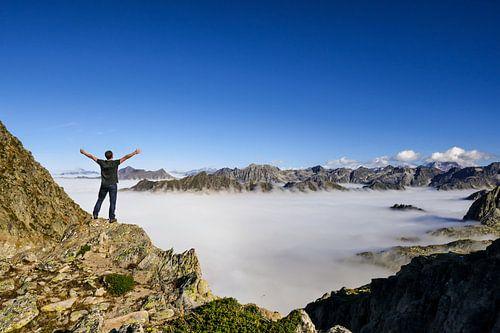 In de bergen boven de wolken van