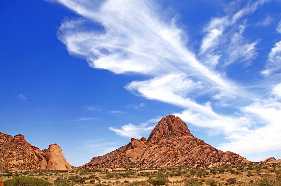 Landscape near the Spitzkoppe, Namibia van W. Woyke