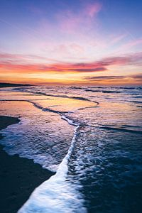 Follow the wave into the sunset van Niels Vanhee