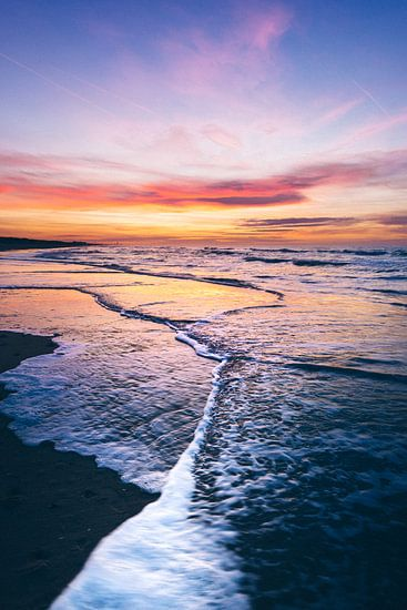 Follow the wave into the sunset