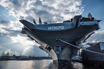 Intrepid Marine schip | New York Haven | Photograph | Art print van Mascha Boot