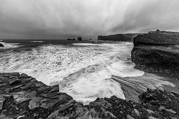 ISLAND Dyrhólaey | Monochrom von Melanie Viola