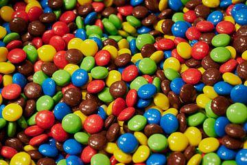 gekleurde chocolade linzen van C. Nass