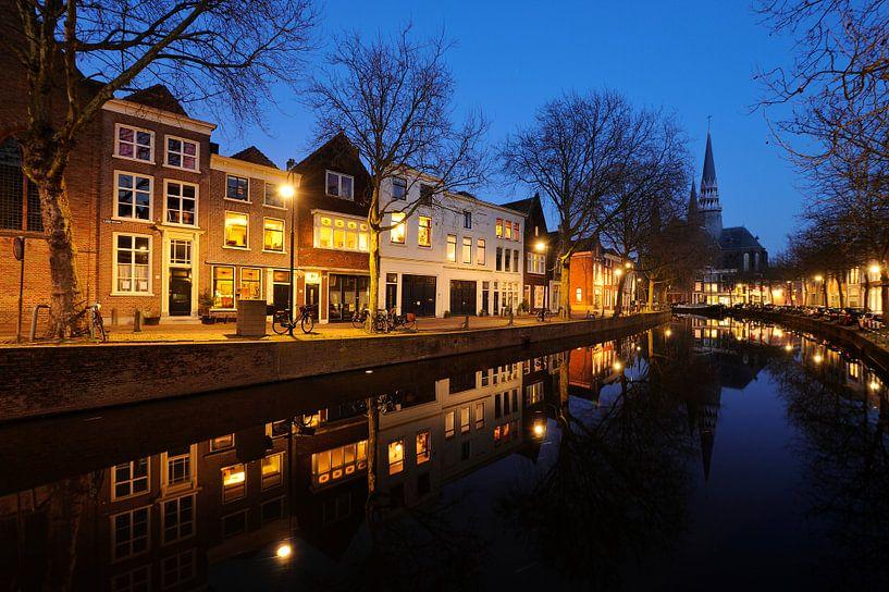 Lage Gouwe in Gouda in de avond sur Merijn van der Vliet