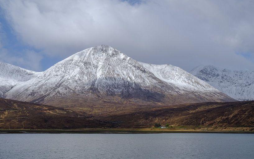 De grote berg en het kleine huis van Koos de Wit