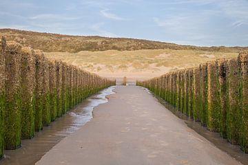 Zeeland strand golfbrekers 3 van John Ouwens