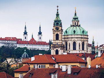 Prager Kleinseite – St.-Nikolaus-Kirche und Kloster Strahov. von Alexander Voss