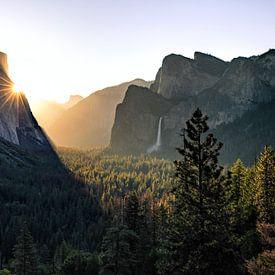 Yosemite Valley zum Sonnenaufgang von Thomas Klinder