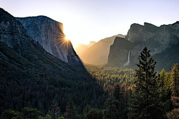 Yosemite Valley zum Sonnenaufgang van Thomas Klinder