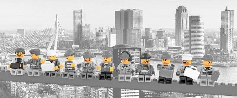 Lunch a top a skyscraper Panorama Rotterdam Yellow - RWMA01 von Marco van den Arend