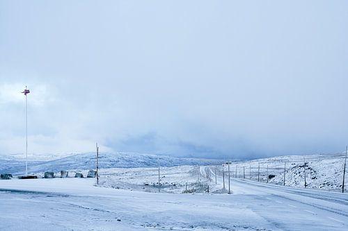 Besneeuwde weg, Noorwegen van