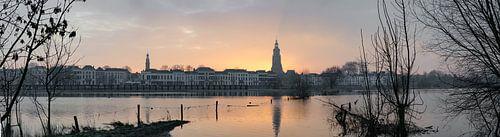 Panorama van de ochtend zon in Zutphen