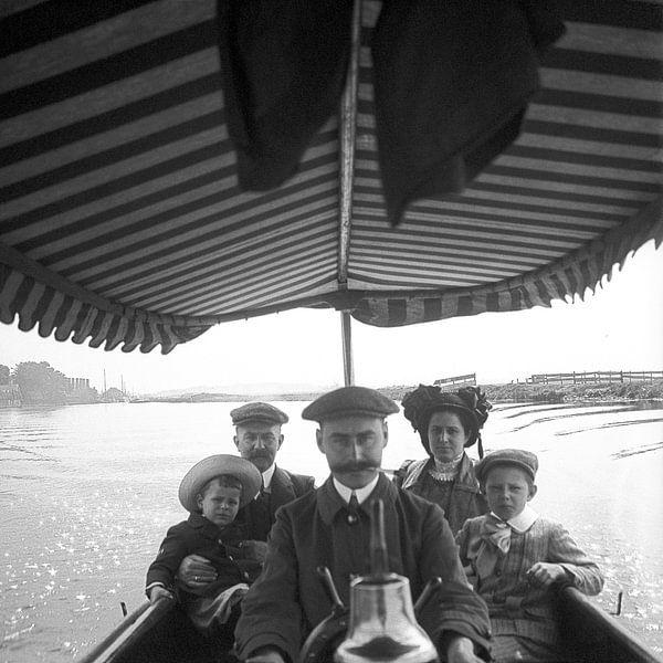 Family trip 1910 van Timeview Vintage Images