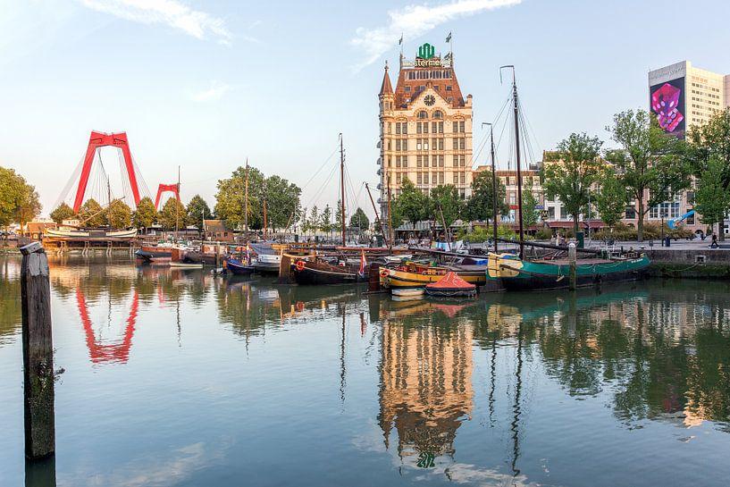 Willemsbrug met de oudehaven Rotterdam van William Linders